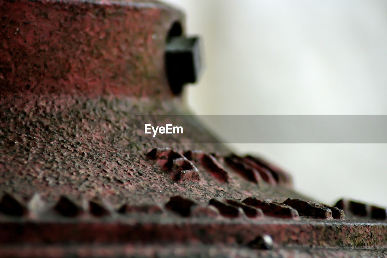 selective focus, metal, day, no people, close-up, rusty, outdoors, nature