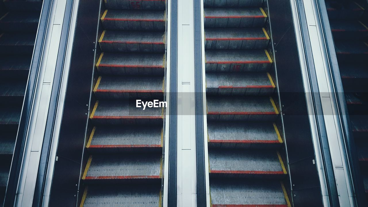 Full Frame Shot Of Escalator