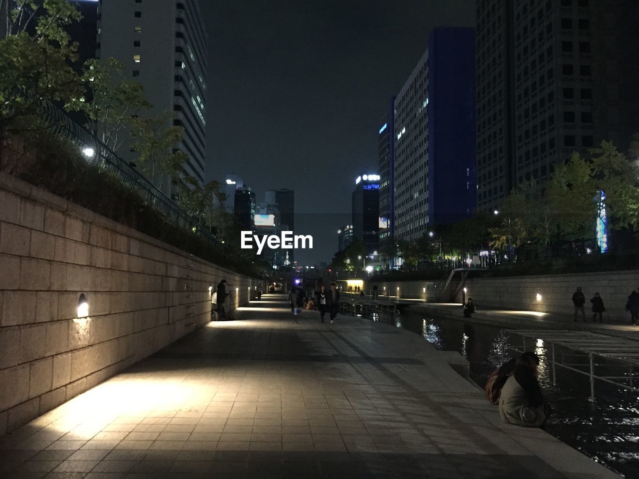 architecture, building exterior, built structure, night, city, illuminated, modern, skyscraper, outdoors, cityscape, no people, sky