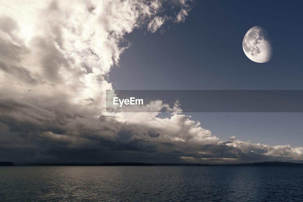 sky, cloud - sky, beauty in nature, moon, scenics - nature, tranquil scene, tranquility, nature, full moon, water, space, no people, astronomy, waterfront, night, idyllic, sea, outdoors, non-urban scene, planetary moon, moonlight