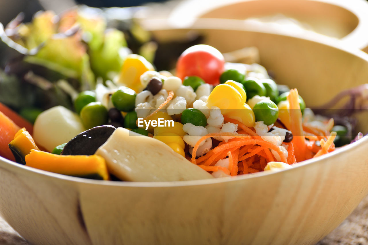 food, vegetable, bowl, food and drink, healthy eating, freshness, close-up, wellbeing, still life, root vegetable, no people, ready-to-eat, carrot, salad, focus on foreground, indoors, serving size, selective focus, fruit, tomato, vegetarian food, chopped
