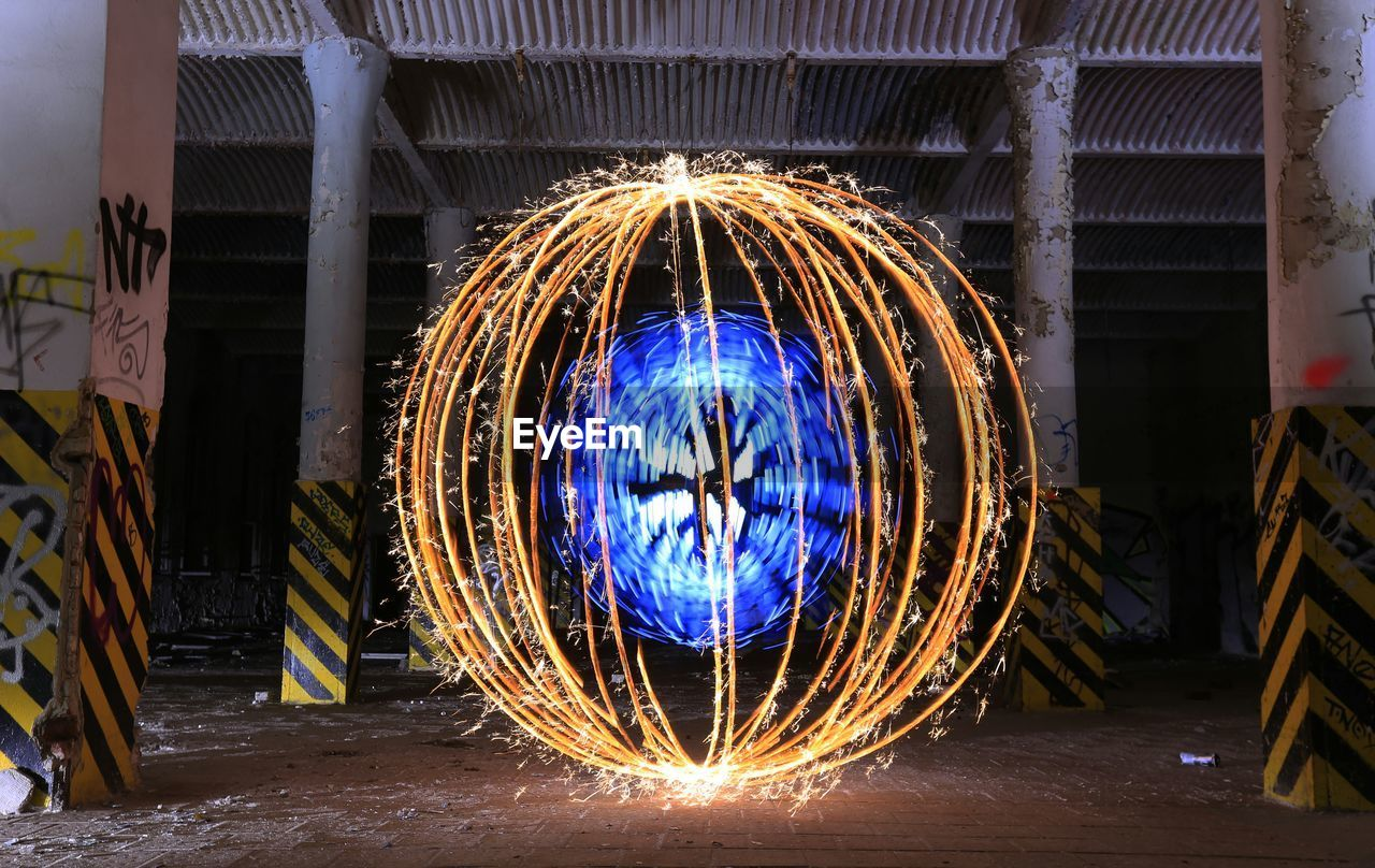 Wire wool moving at parking lot
