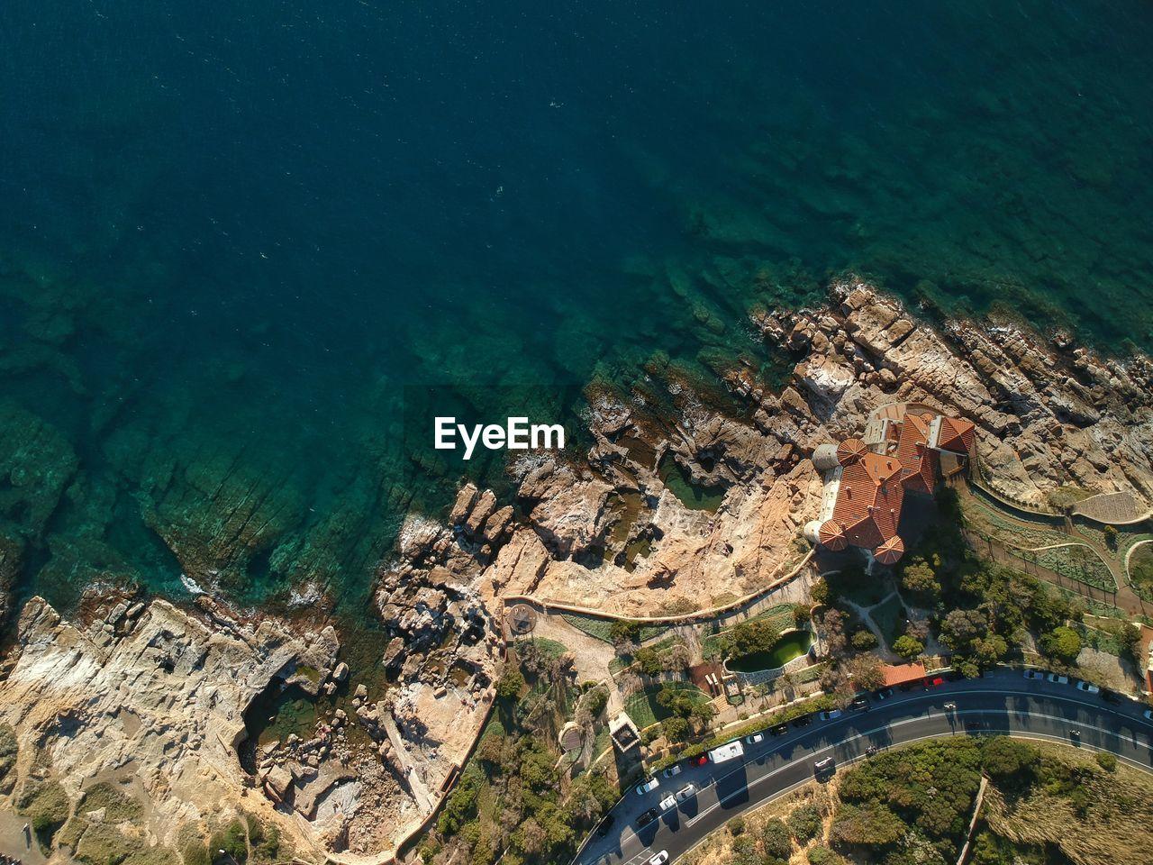 HIGH ANGLE VIEW OF TOURIST RESORT