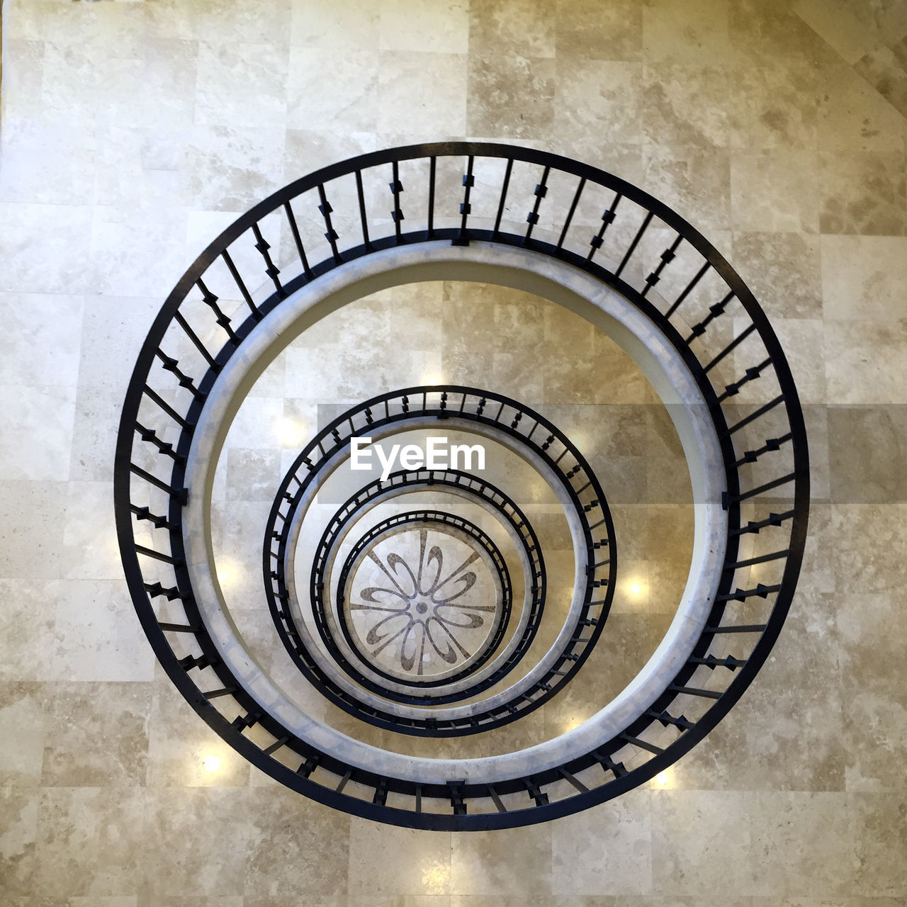HIGH ANGLE VIEW OF STAIRCASE