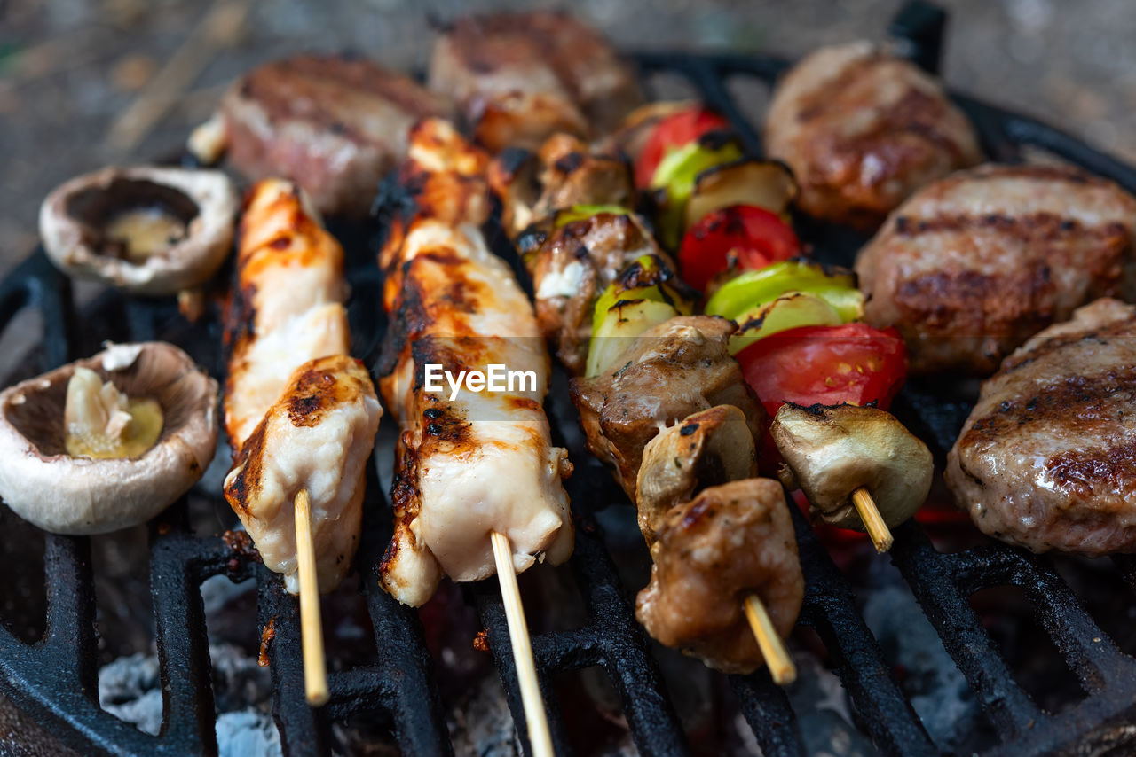 food, food and drink, meat, barbecue, freshness, ready-to-eat, close-up, grilled, still life, skewer, barbecue grill, healthy eating, no people, wellbeing, preparation, heat - temperature, kebab, chicken meat, chicken, indoors, preparing food, white meat, temptation