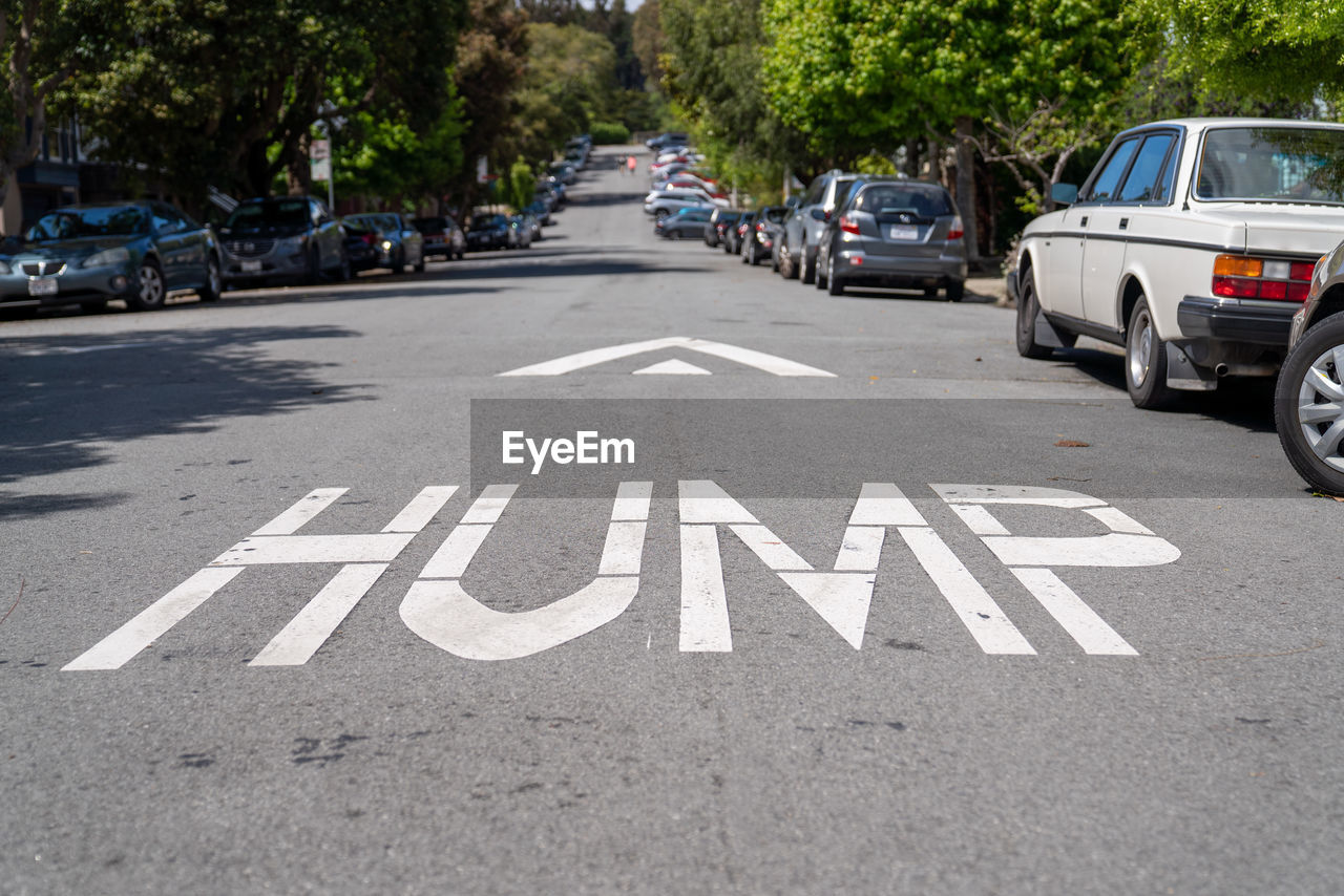 TEXT ON STREET IN CITY