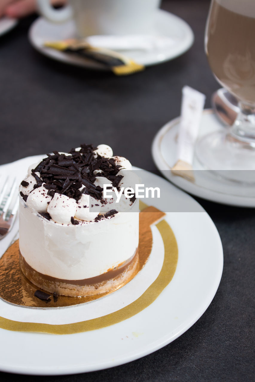 plate, food and drink, food, sweet food, dessert, sweet, indulgence, ready-to-eat, table, still life, temptation, freshness, indoors, cake, baked, close-up, focus on foreground, unhealthy eating, no people, selective focus, glass, crockery