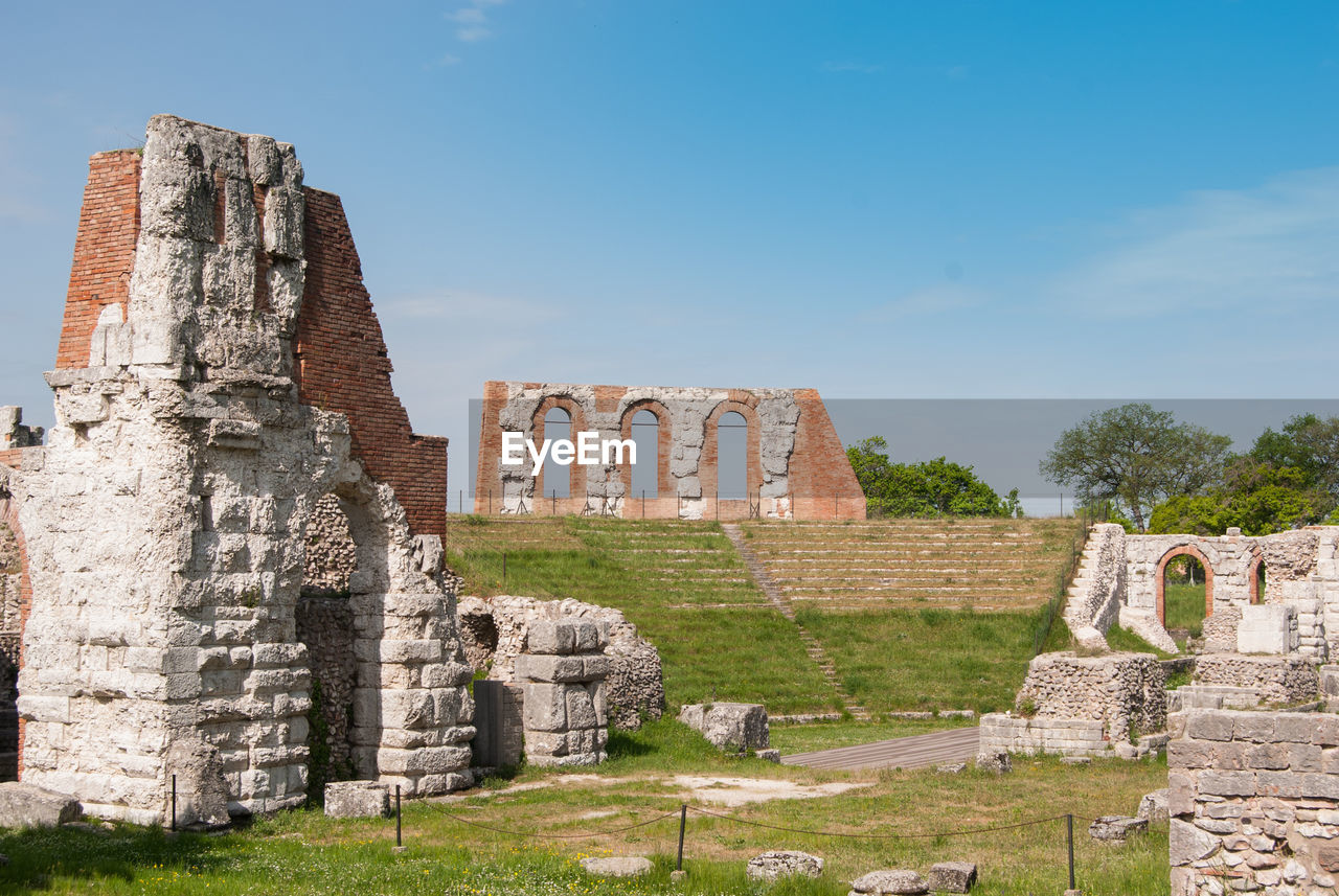 history, the past, ancient, architecture, old ruin, built structure, sky, travel destinations, tourism, ancient civilization, travel, damaged, old, day, archaeology, nature, ruined, place of worship, no people, bad condition, outdoors, deterioration, architectural column, ancient history