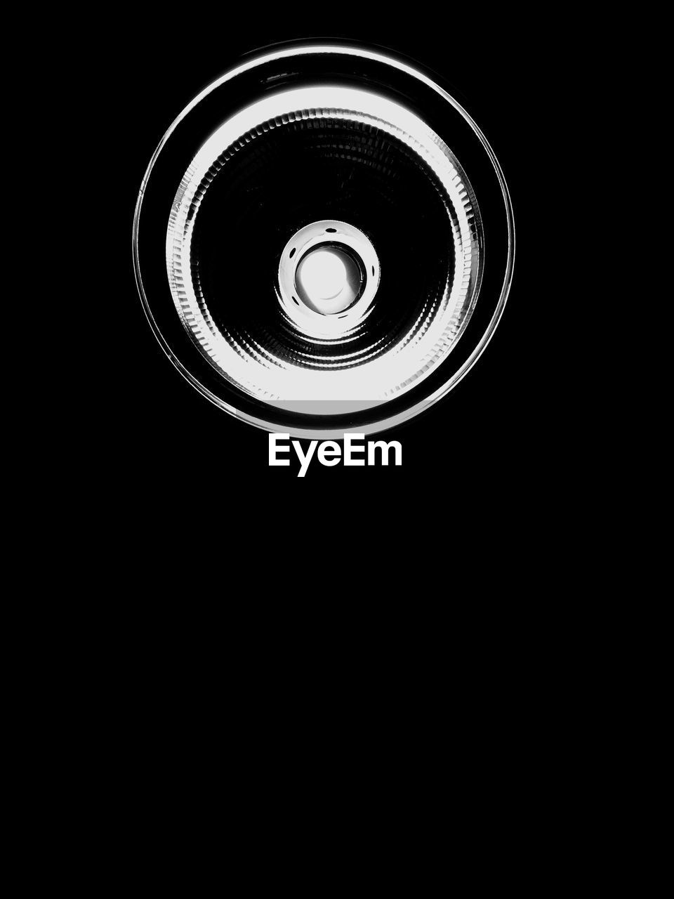 circle, black background, technology, no people, directly above, photography themes, close-up, indoors, day