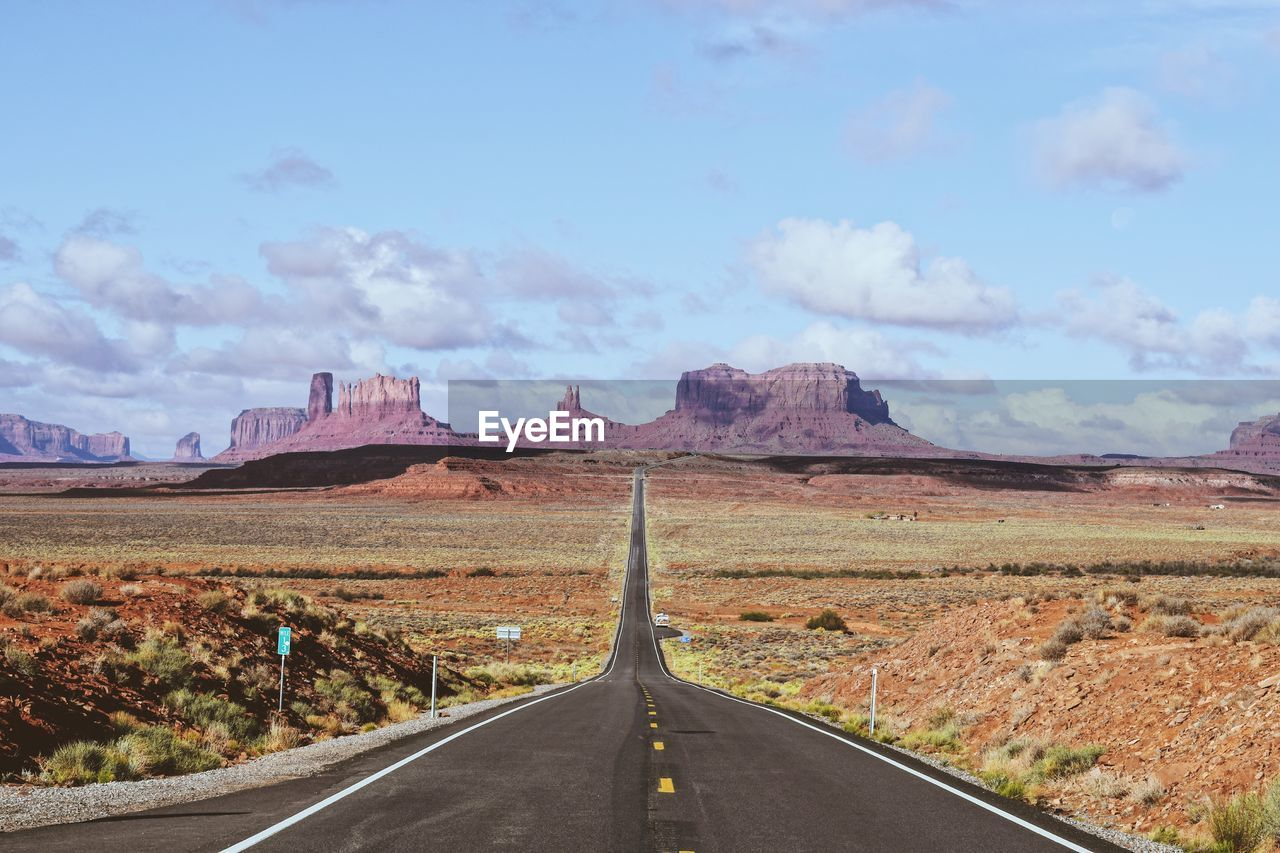 Forrest gump view point in the monument valley, utah, the usa