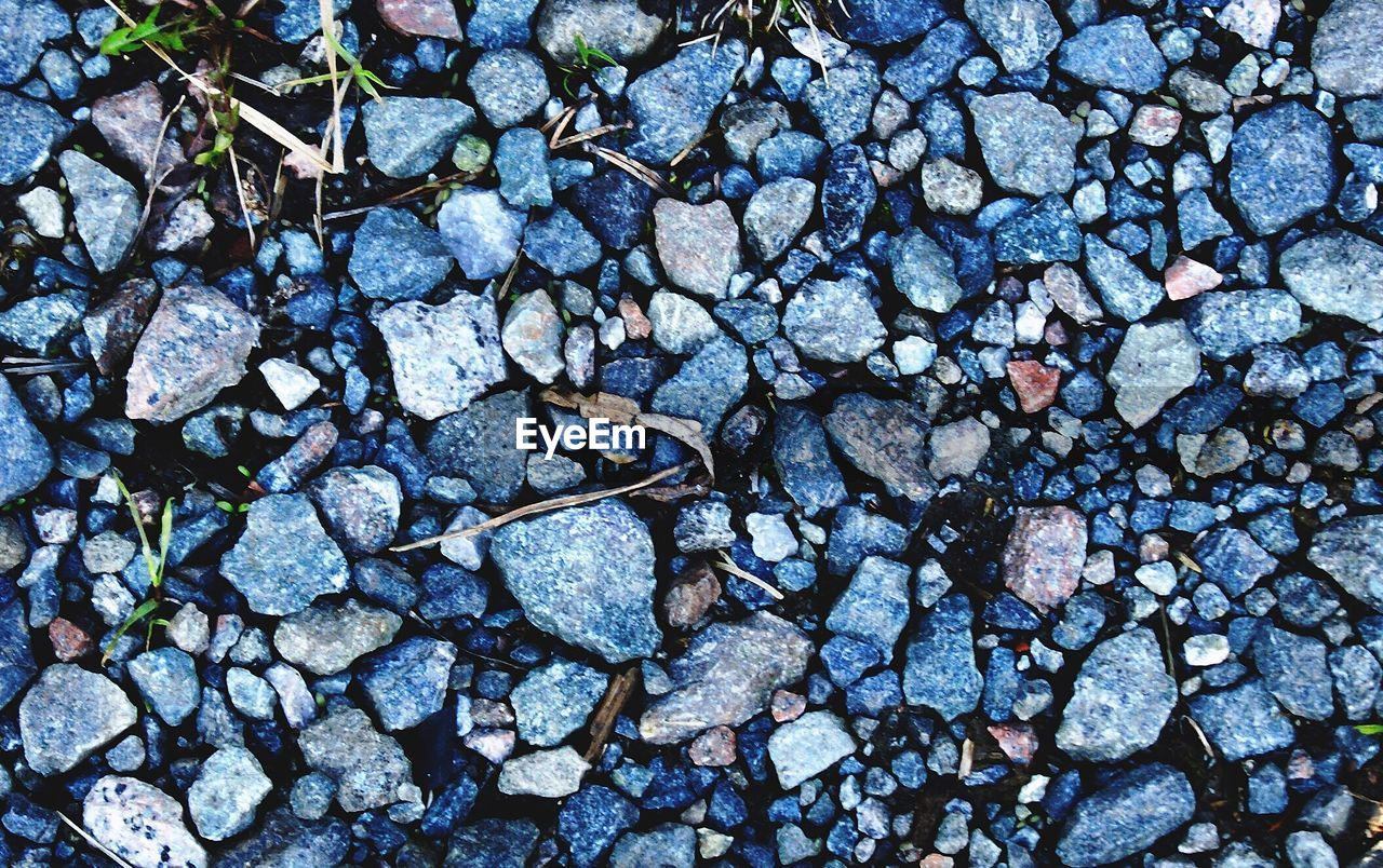 full frame, pebble, backgrounds, large group of objects, abundance, no people, nature, day, outdoors, pebble beach, textured, directly above, close-up, beauty in nature