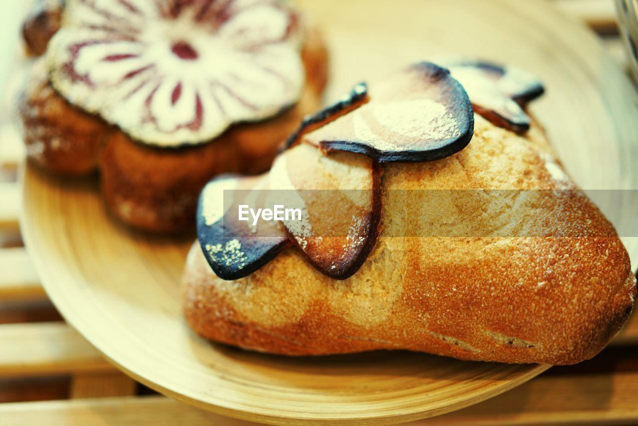 food and drink, food, freshness, still life, sweet food, indulgence, ready-to-eat, baked, sweet, close-up, dessert, indoors, temptation, no people, unhealthy eating, plate, table, focus on foreground, selective focus, bread, snack, french food