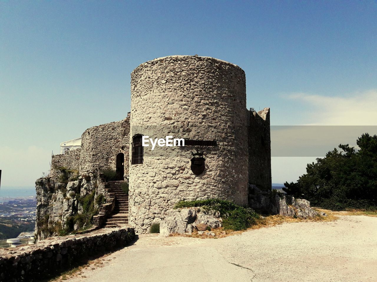 architecture, history, the past, built structure, old ruin, ancient, building exterior, day, ancient civilization, fort, castle, sky, travel destinations, outdoors, no people, clear sky, nature