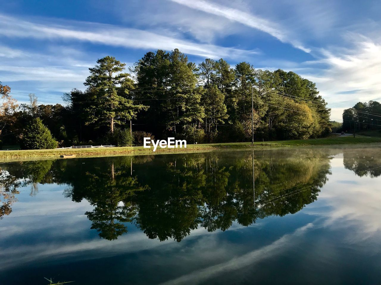 reflection, tree, sky, water, cloud - sky, lake, beauty in nature, nature, waterfront, tranquil scene, scenics, tranquility, no people, outdoors, day, symmetry