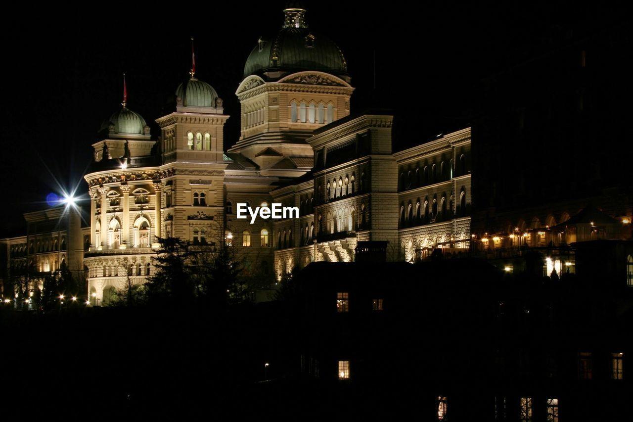 Federal palace at night