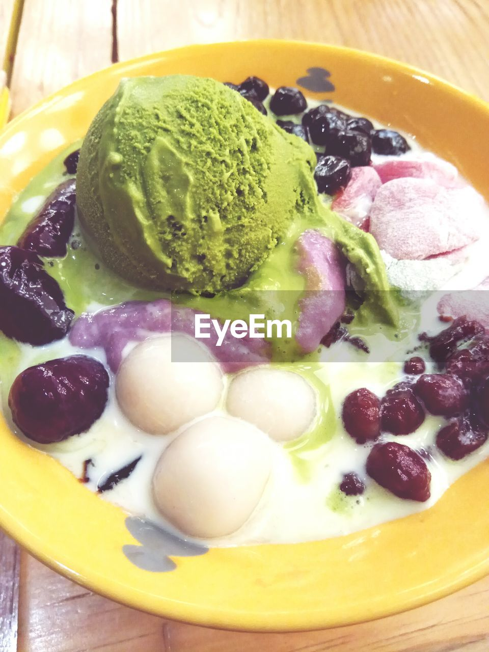 ice cream, food and drink, sweet food, frozen food, food, dessert, freshness, indulgence, still life, temptation, serving size, close-up, ready-to-eat, indoors, no people, scoop shape, gourmet, ice cream sundae, day