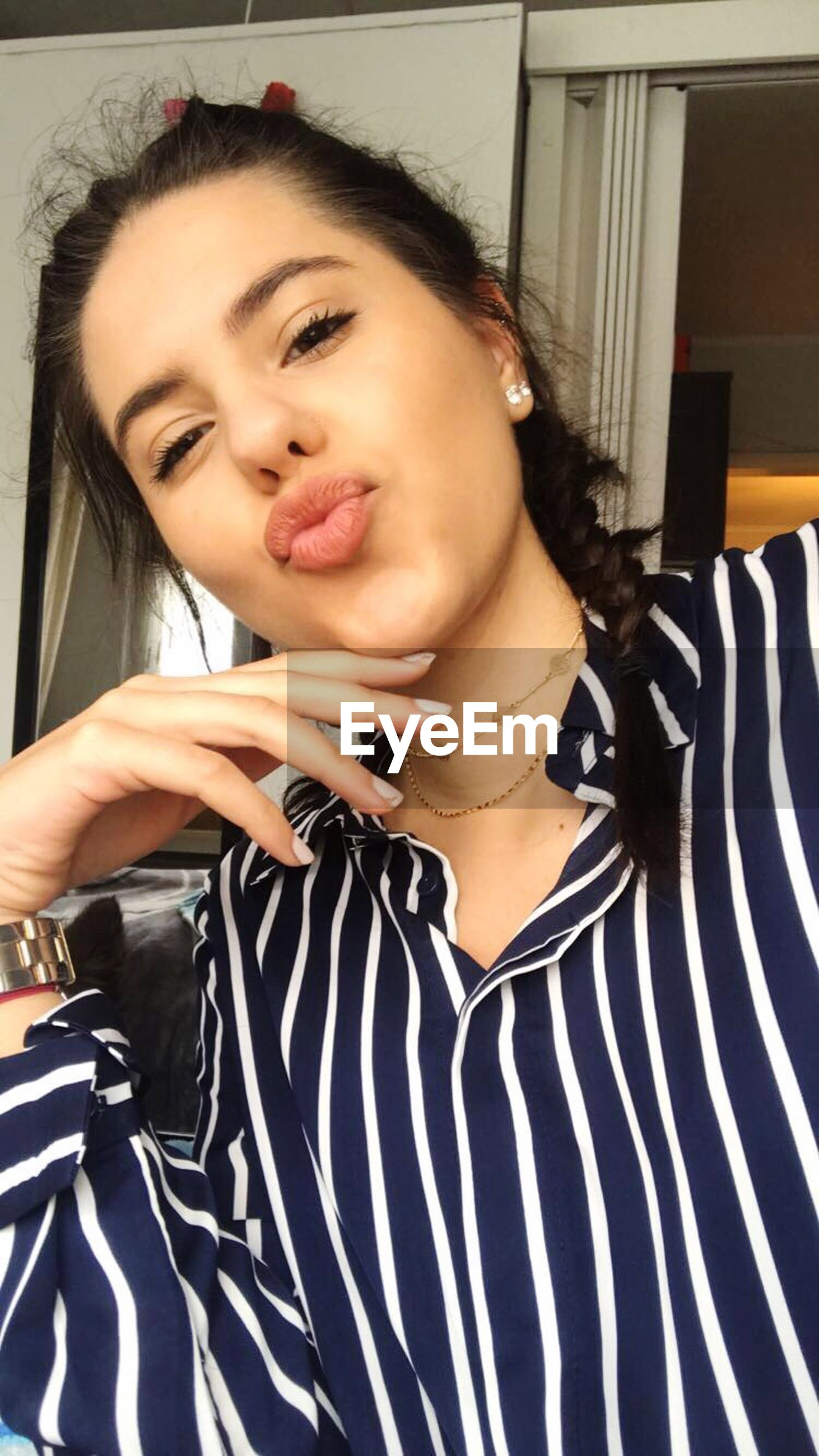 lifestyles, only women, fashion, young adult, one woman only, adults only, front view, adult, one person, beauty, beautiful people, human body part, women, people, one young woman only, real people, beautiful woman, young women, human hand, indoors, human lips, day