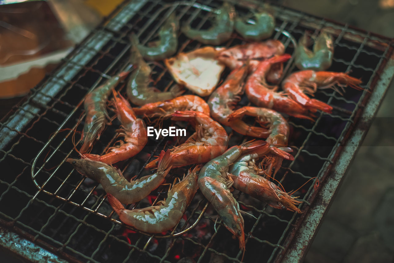 food and drink, food, seafood, crustacean, close-up, freshness, no people, barbecue, high angle view, healthy eating, wellbeing, shrimp - seafood, grilled, meat, still life, focus on foreground, indoors, day, selective focus, prawn, preparing food