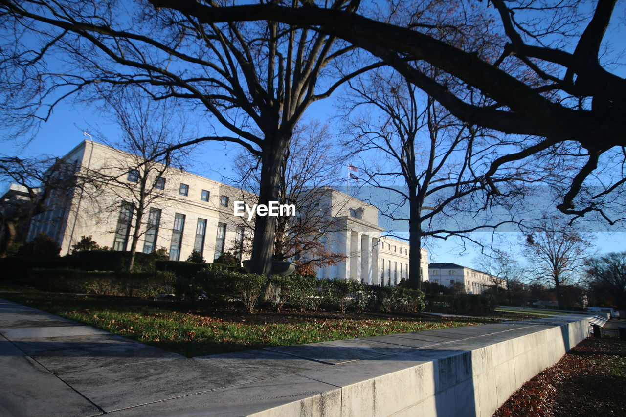 architecture, building exterior, built structure, bare tree, tree, history, city, outdoors, no people, day, sky