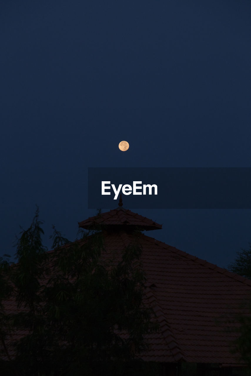 moon, night, full moon, astronomy, planetary moon, half moon, moon surface, moonlight, nature, low angle view, crescent, outdoors, beauty in nature, scenics, architecture, no people, sky, space