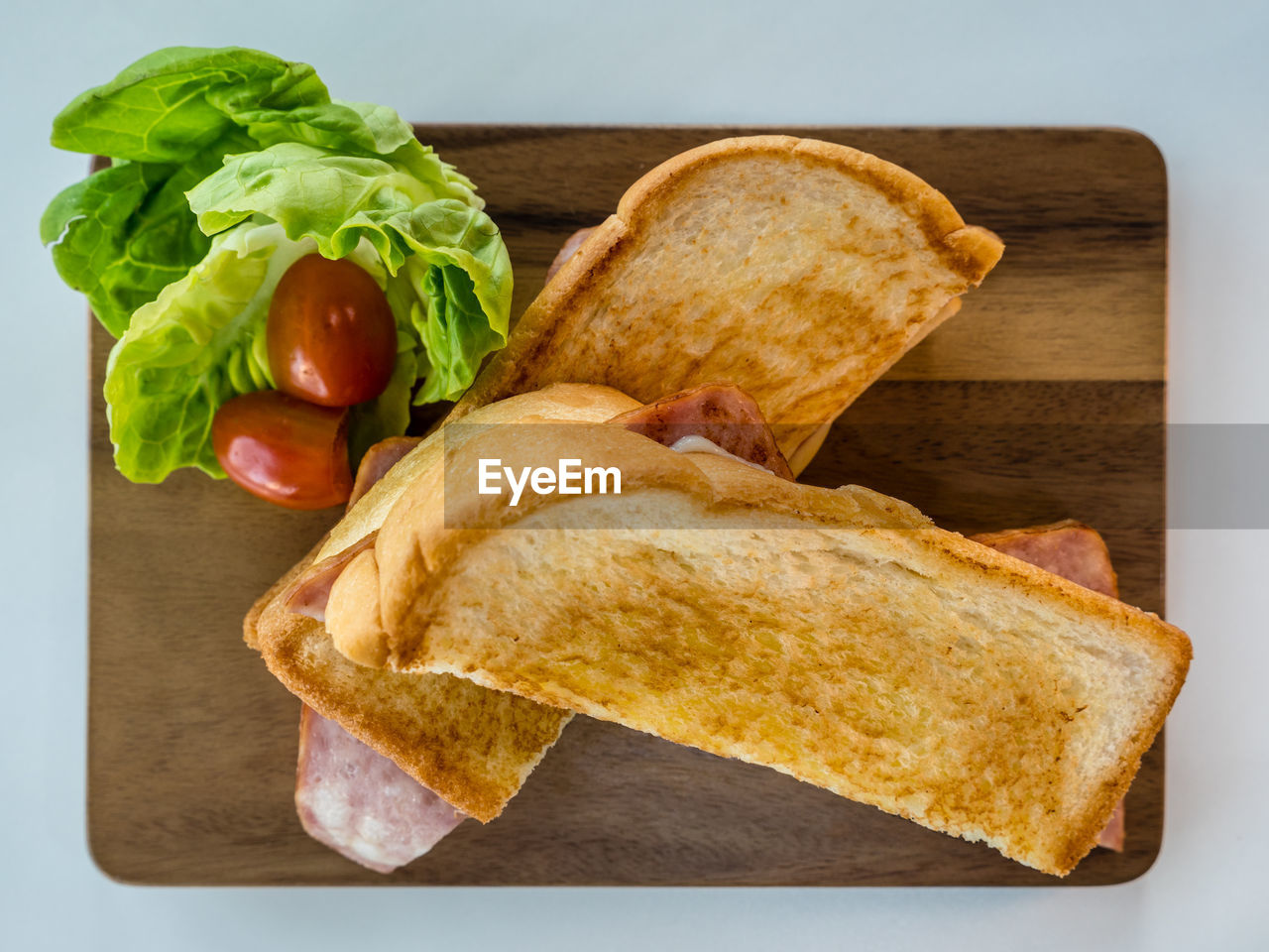 food, food and drink, bread, freshness, vegetable, healthy eating, indoors, ready-to-eat, sandwich, lettuce, meal, no people, close-up, wellbeing, still life, snack, serving size, plate, toasted bread, directly above, breakfast, vegetarian food