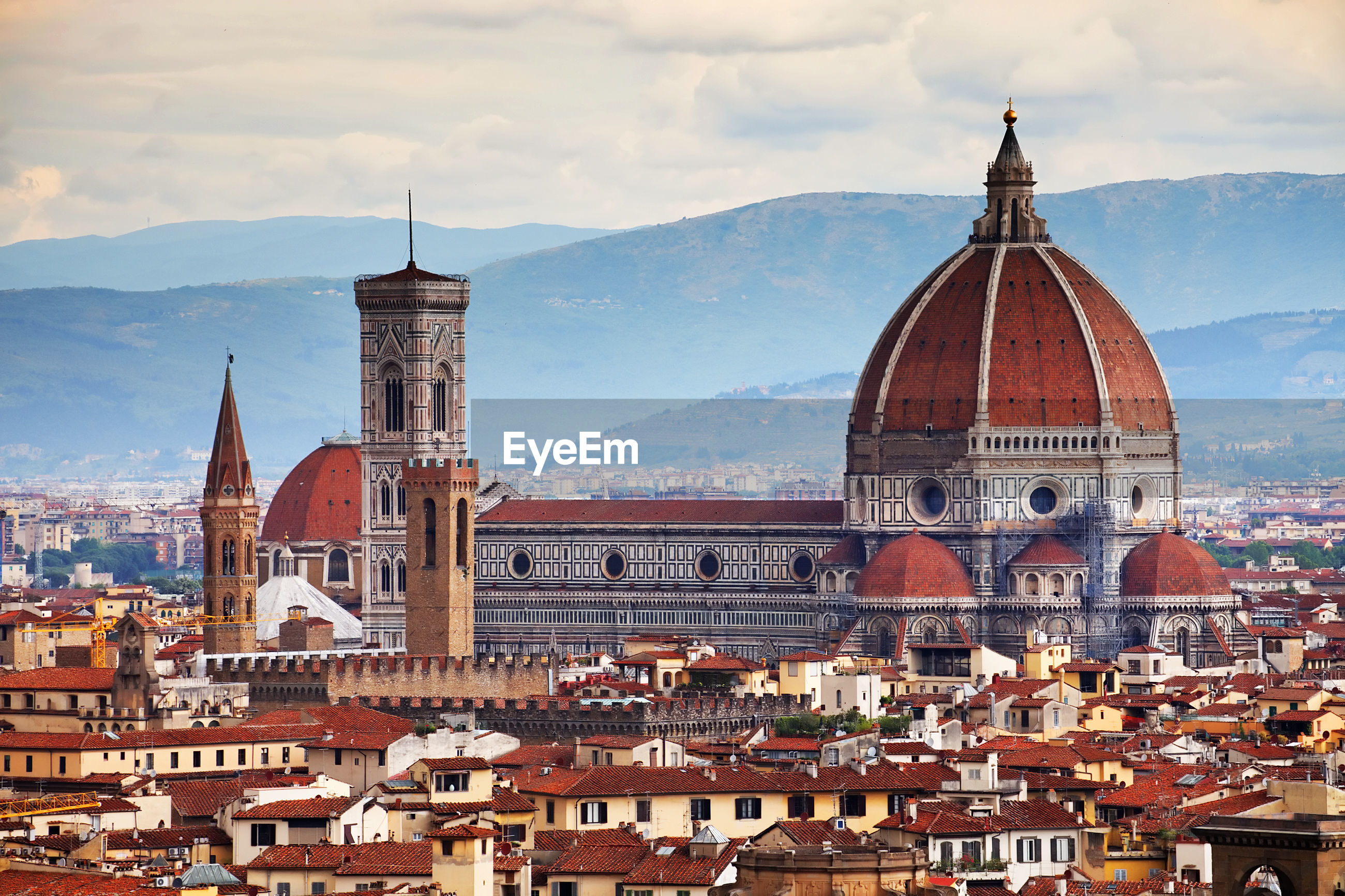 Dome of florence against cloudy sky