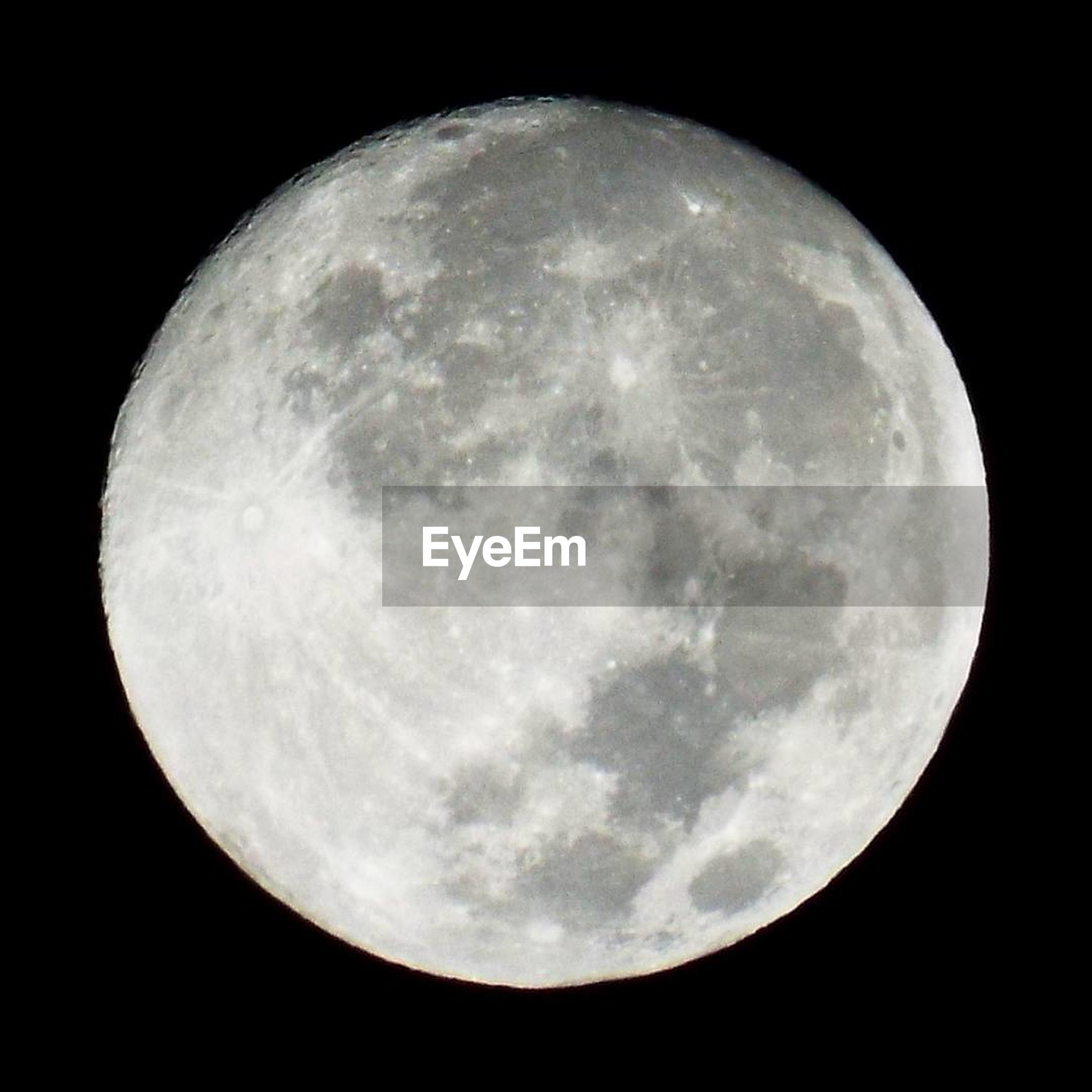 moon, night, moon surface, full moon, planetary moon, astronomy, circle, beauty in nature, nature, space exploration, scenics, tranquility, discovery, tranquil scene, space, half moon, sky, moonlight, no people, close-up, outdoors, low angle view, clear sky, satellite view