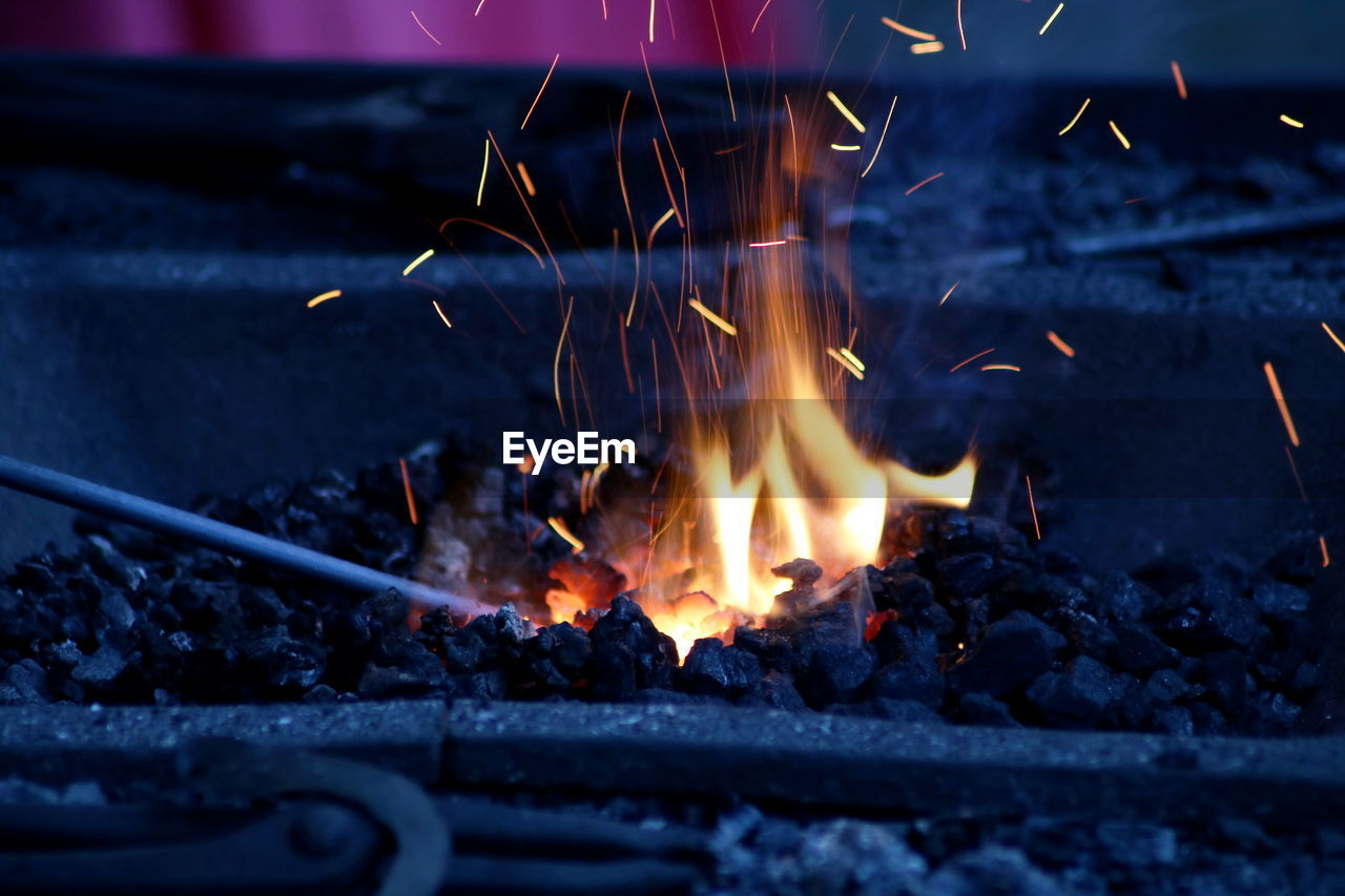 heat - temperature, fire, burning, fire - natural phenomenon, flame, nature, wood, glowing, motion, firewood, log, wood - material, bonfire, long exposure, no people, coal, close-up, ash, burnt, blurred motion, campfire