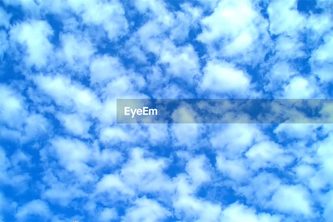 cloud - sky, sky, backgrounds, full frame, tranquility, beauty in nature, low angle view, no people, blue, scenics - nature, nature, outdoors, day, white color, tranquil scene, idyllic, abstract, cloudscape, pattern, meteorology