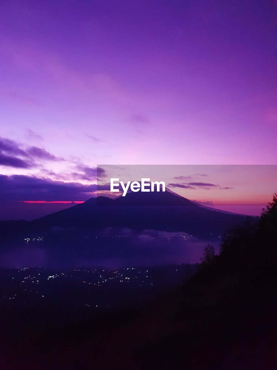 sky, sunset, beauty in nature, scenics - nature, tranquil scene, tranquility, idyllic, cloud - sky, silhouette, mountain, nature, no people, environment, purple, landscape, non-urban scene, outdoors, dramatic sky, orange color, pink color, romantic sky