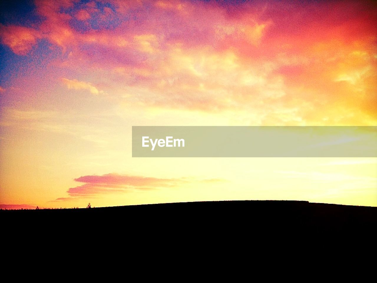 sunset, silhouette, sky, nature, dark, scenics, beauty in nature, yellow, landscape, no people, outdoors