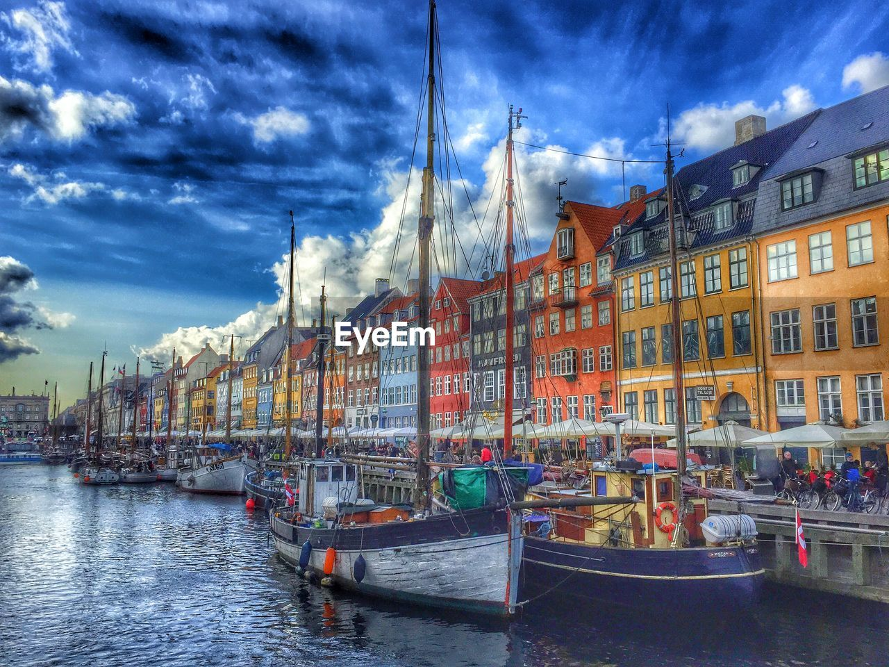 architecture, transportation, building exterior, sky, nautical vessel, cloud - sky, mode of transport, built structure, moored, water, boat, waterfront, outdoors, day, no people, travel destinations, city, nature, gondola - traditional boat