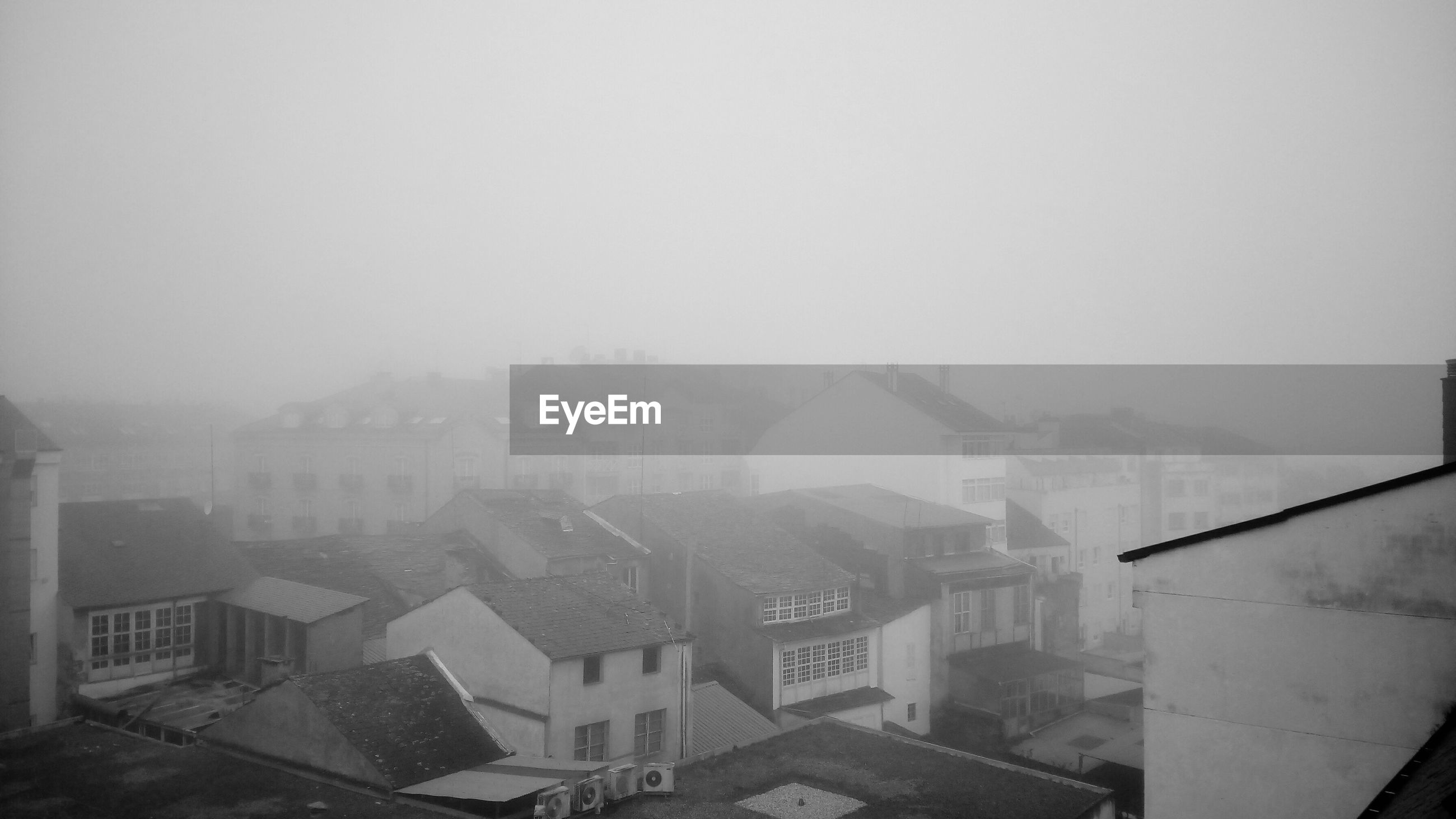 building exterior, architecture, built structure, city, fog, weather, window, house, cityscape, no people, day, outdoors, sky