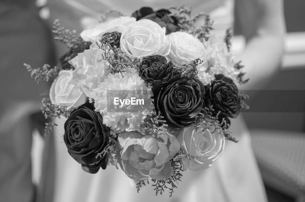 flower, flowering plant, plant, celebration, rose, close-up, wedding, bouquet, event, rose - flower, beauty in nature, flower arrangement, life events, bride, selective focus, newlywed, vulnerability, indoors, fragility, freshness, flower head, wedding ceremony