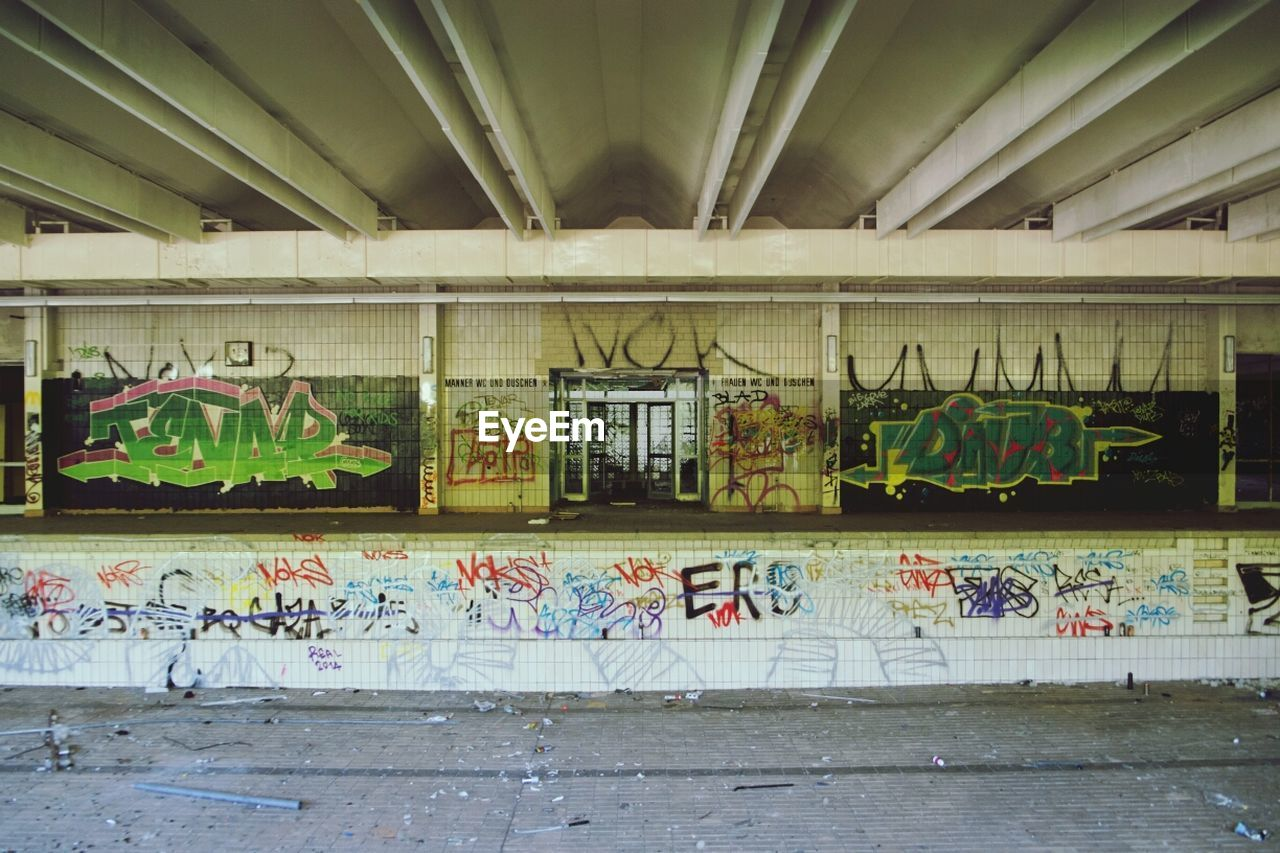 graffiti, architecture, built structure, no people, indoors, day