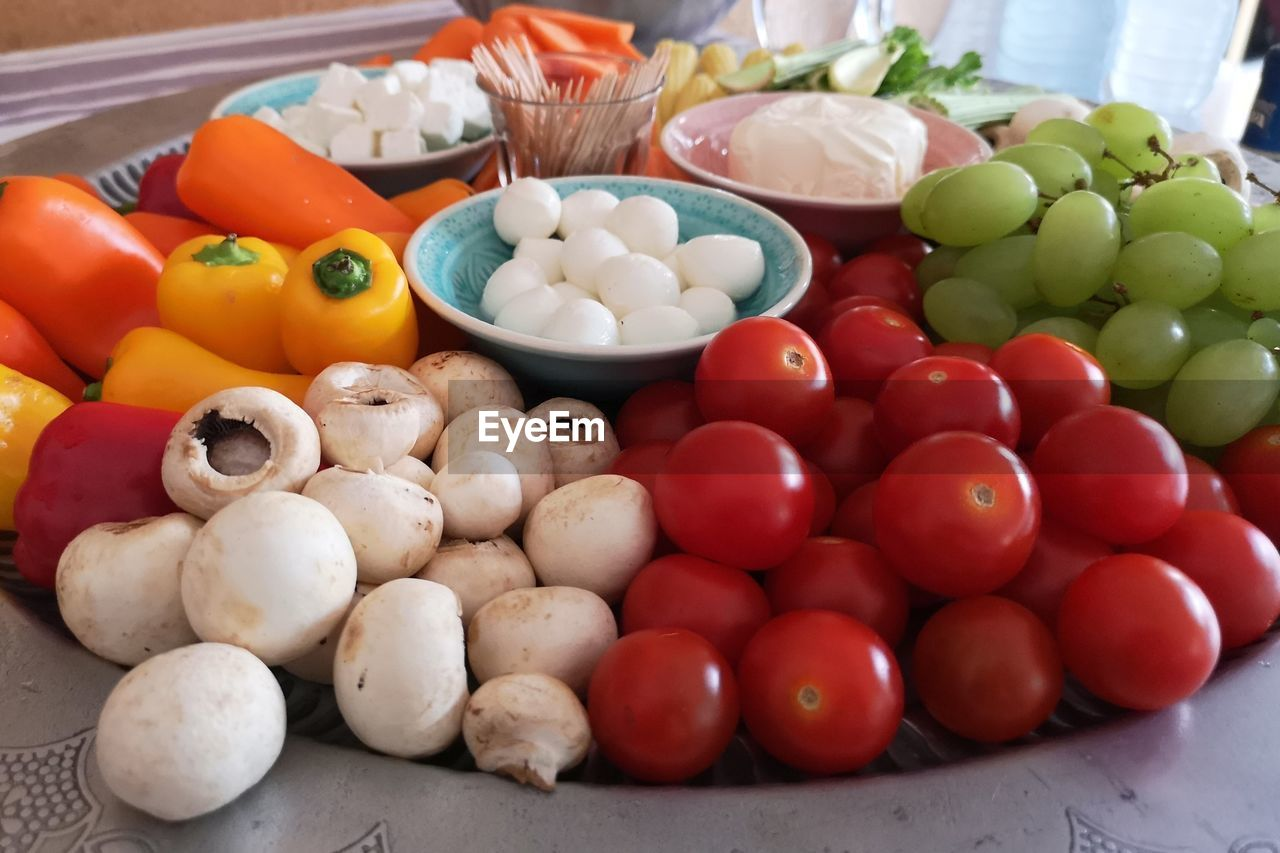 vegetable, food, food and drink, tomato, freshness, still life, variation, choice, multi colored, pepper, no people, fruit, healthy eating, wellbeing, bell pepper, large group of objects, indoors, red, close-up, abundance, chopped
