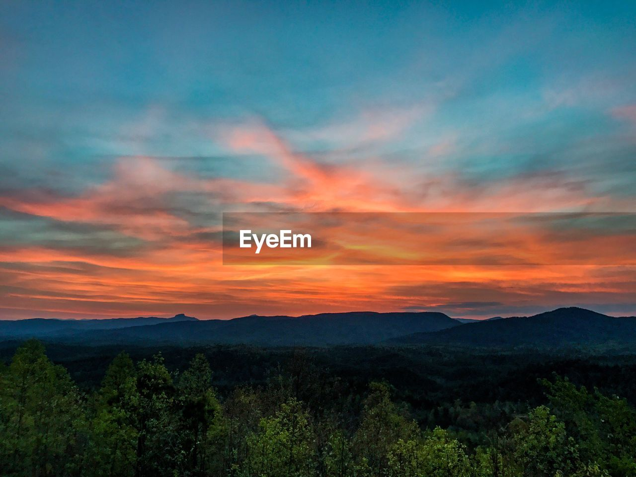 beauty in nature, nature, sunset, mountain, scenics, tranquil scene, landscape, sky, tranquility, no people, tree, forest, outdoors, day