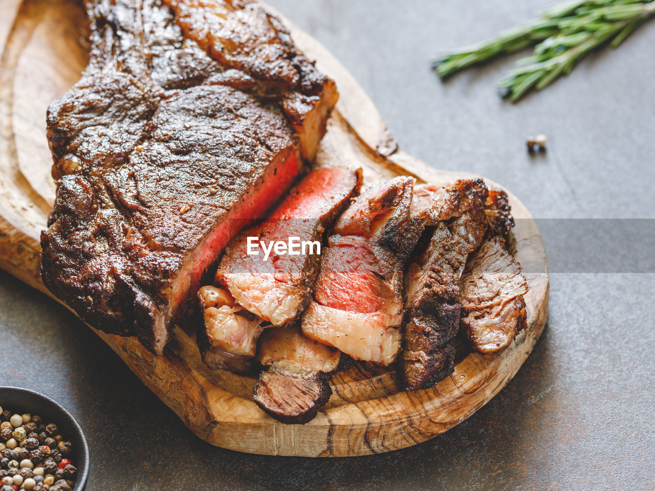 food, food and drink, meat, still life, freshness, close-up, high angle view, ready-to-eat, indoors, table, no people, bread, serving size, vegetable, plate, focus on foreground, red meat, unhealthy eating, slice, meal, beef, temptation, dinner