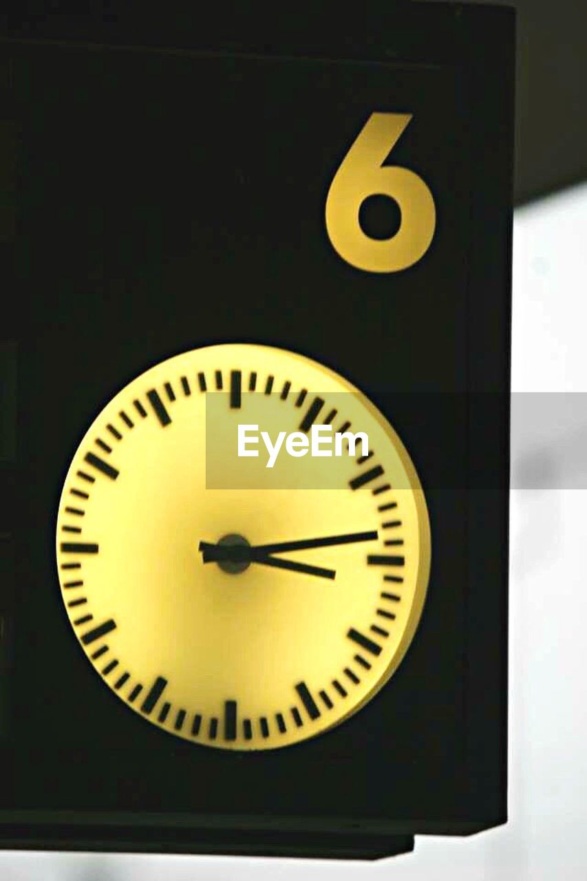 time, clock, clock face, minute hand, no people, indoors, hour hand, close-up, day