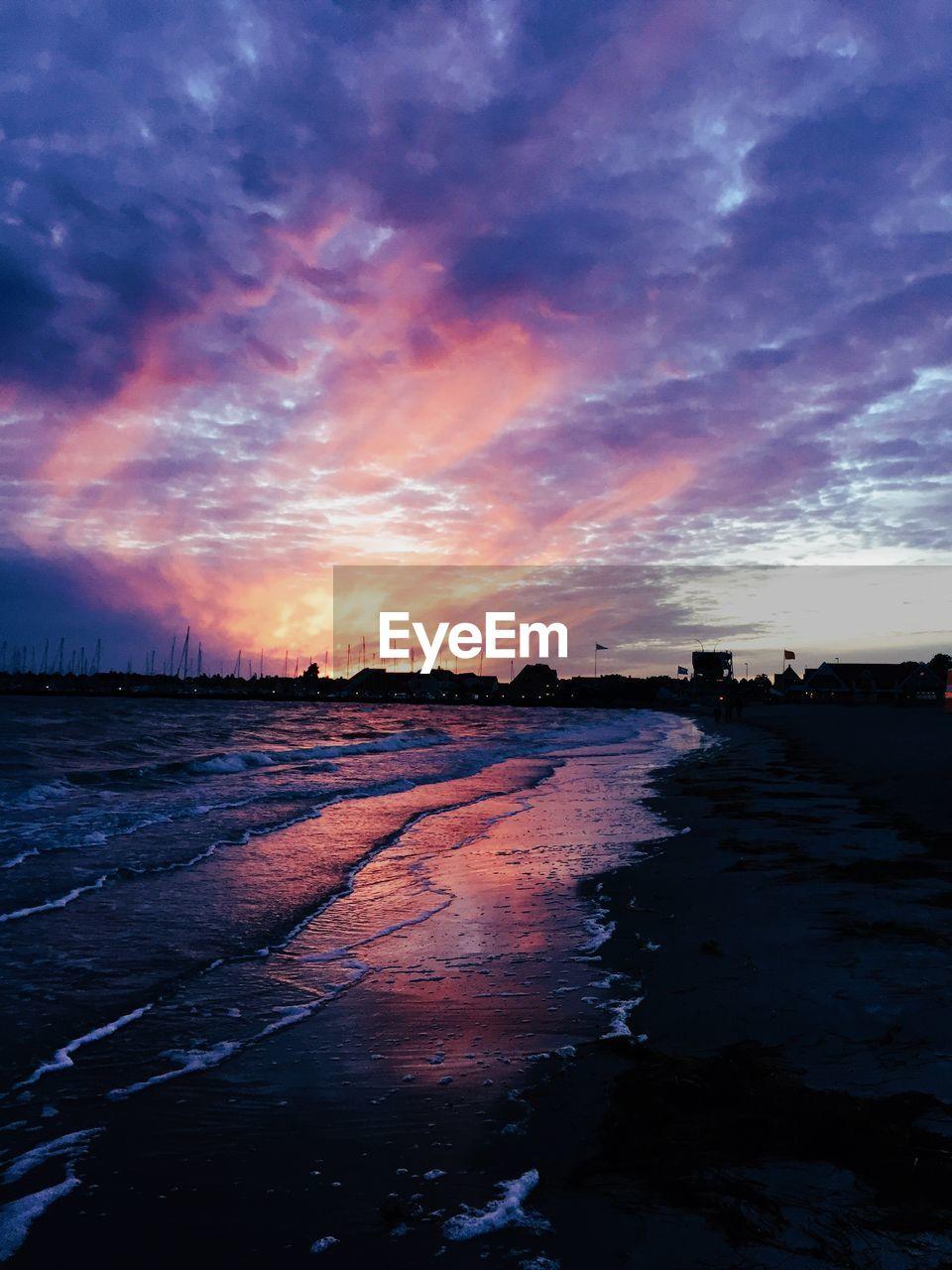 sky, cloud - sky, sunset, water, scenics - nature, tranquil scene, tranquility, beauty in nature, nature, sea, no people, beach, land, dramatic sky, non-urban scene, outdoors, idyllic, silhouette