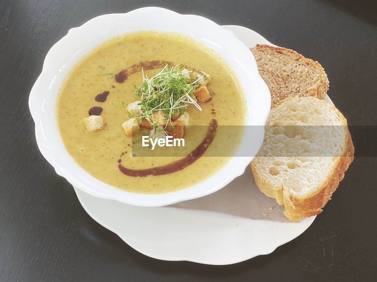 food, food and drink, ready-to-eat, freshness, healthy eating, bowl, indoors, wellbeing, high angle view, serving size, plate, still life, no people, soup, close-up, table, directly above, bread, meal, garnish, temptation, crockery, vegetable soup, soup bowl