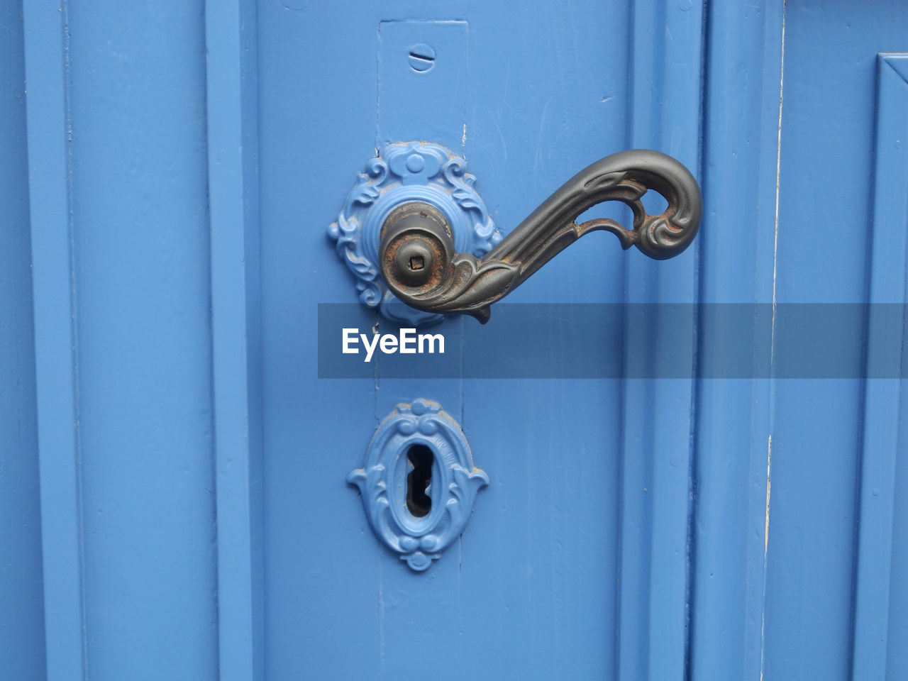 door, entrance, metal, protection, safety, security, close-up, doorknob, full frame, knob, day, closed, no people, blue, handle, door knocker, backgrounds, lock, outdoors, keyhole, silver colored, ornate, latch