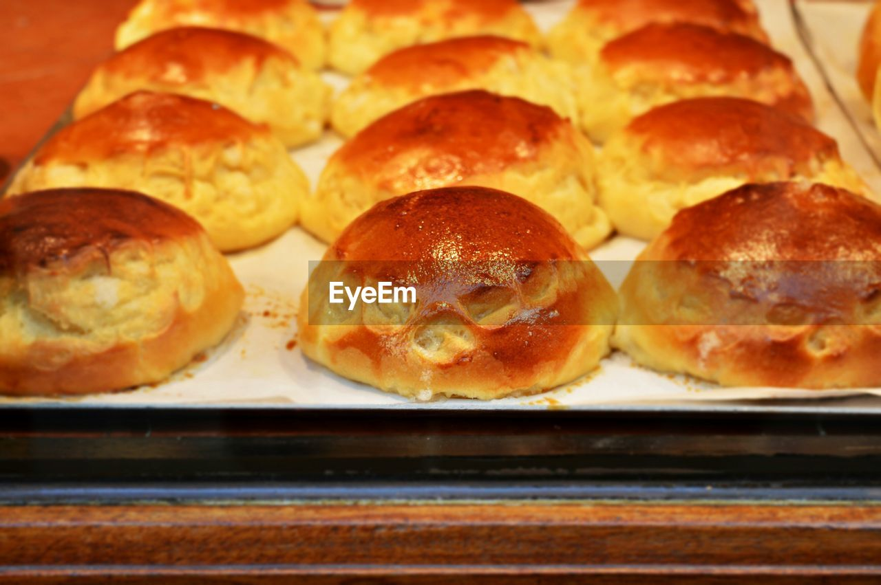 Close-Up Of Serving Baked Pastry Item In Tray
