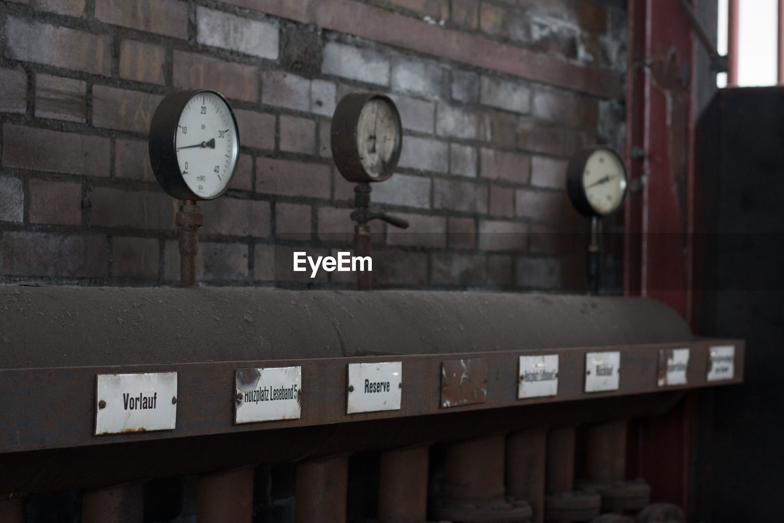 indoors, no people, day, close-up, clock, time, gauge