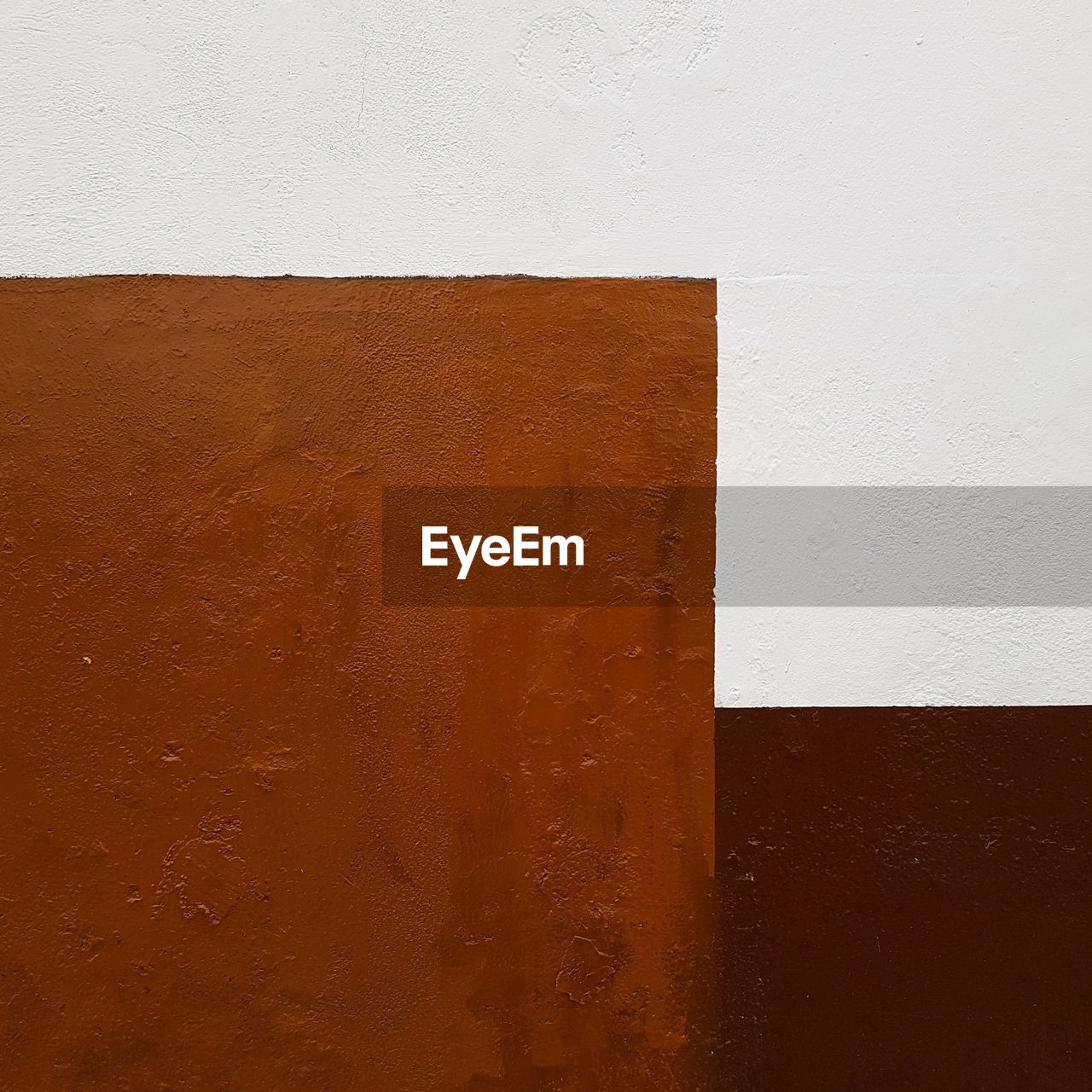 wall - building feature, built structure, architecture, brown, no people, textured, white color, close-up, full frame, backgrounds, orange color, wood - material, indoors, day, pattern, wall, rough, copy space, beige, concrete