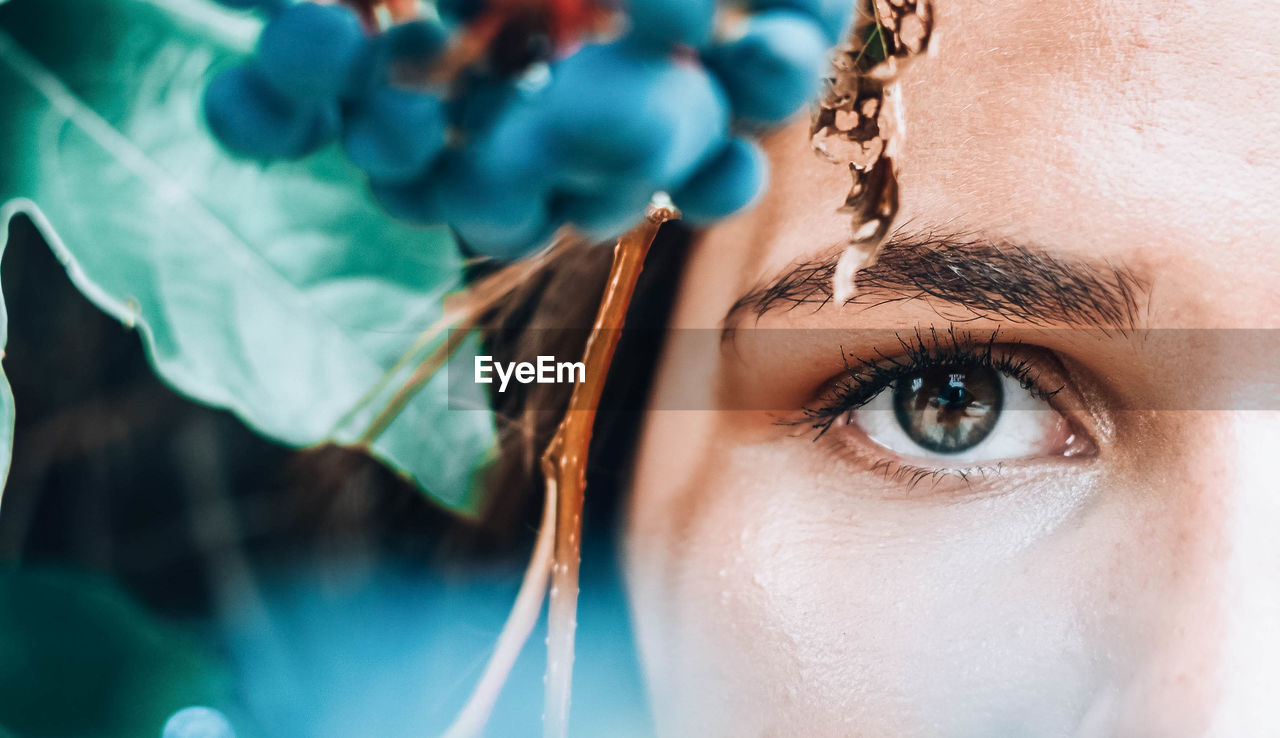 one person, close-up, human face, eye, human body part, young adult, portrait, body part, women, human eye, adult, beauty, real people, looking at camera, young women, beautiful woman, looking, females, eyebrow, eyelash, eyeball