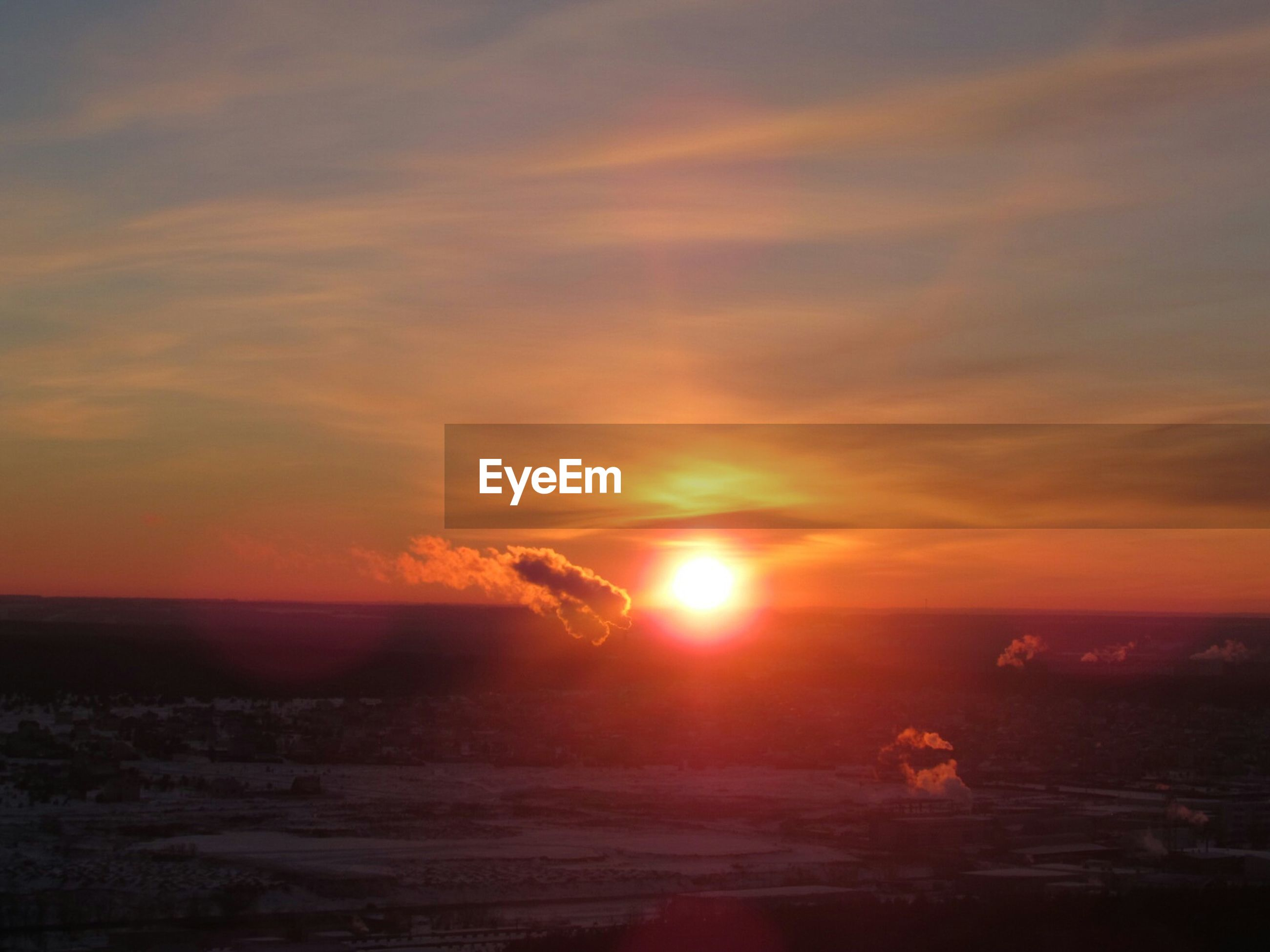 sunset, sun, orange color, scenics, tranquil scene, beauty in nature, tranquility, sky, idyllic, nature, landscape, cloud - sky, silhouette, sunlight, outdoors, remote, sea, cloud, horizon over water, non-urban scene