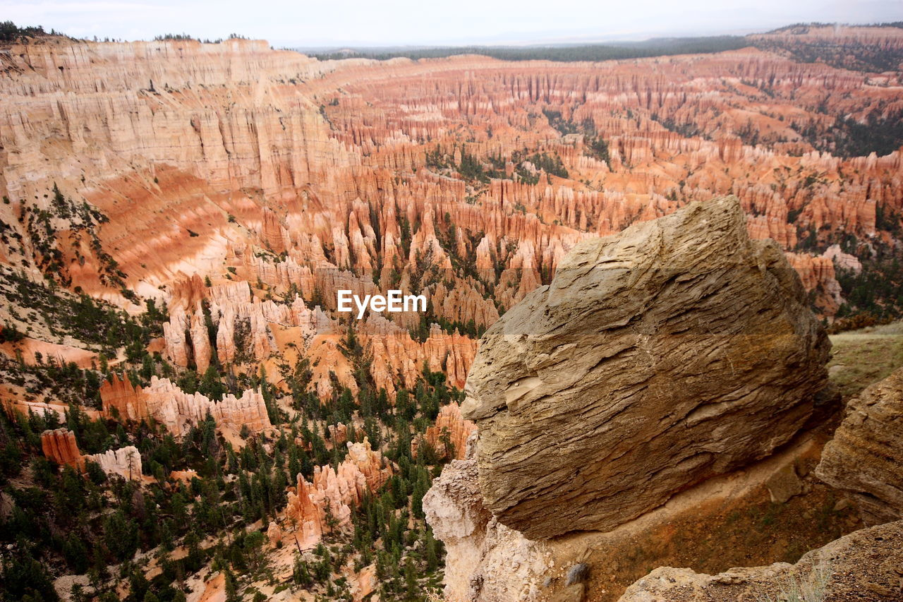 rock, rock - object, rock formation, solid, scenics - nature, geology, non-urban scene, travel destinations, travel, canyon, tranquil scene, physical geography, tranquility, mountain, landscape, environment, nature, beauty in nature, day, no people, eroded, outdoors, climate, arid climate, formation, sandstone