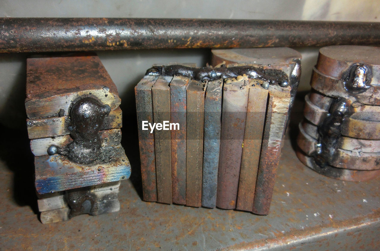 metal, close-up, rusty, indoors, no people, day