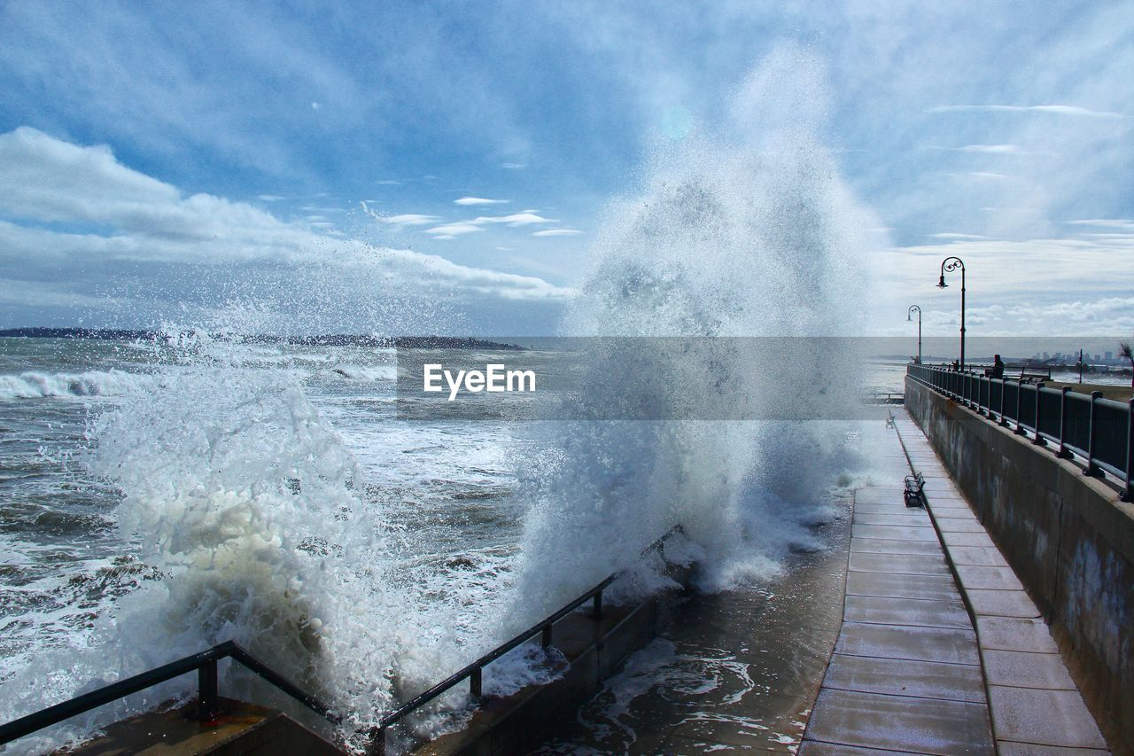 motion, power in nature, force, breaking, water, ocean, nature, crash, hitting, sky, day, cloud - sky, no people, beauty in nature, outdoors